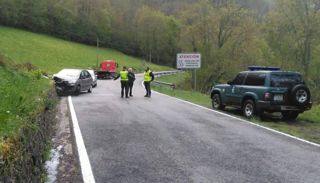 Un hombre y una mujer, heridos en un accidente de tráfico en Orbara