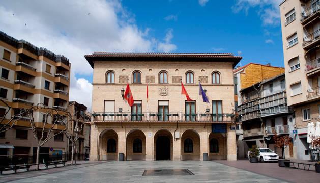 Fachada del ayuntamiento de Peralta.