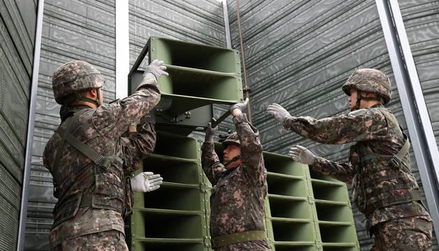 Las dos Coreas empiezan a retirar sus altavoces de propaganda de la frontera