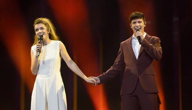 Amaia Romero y Alfred García: su visita a Lisboa y su primer ensayo en el Altice Arena para Eurovisión