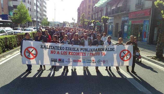 Un momento de la manifestación contra los recortes, en la avenida Conde Oliveto.