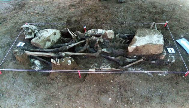 Exhumados los restos de dos víctimas del golpe militar de 1936 en la localidad de Ibero