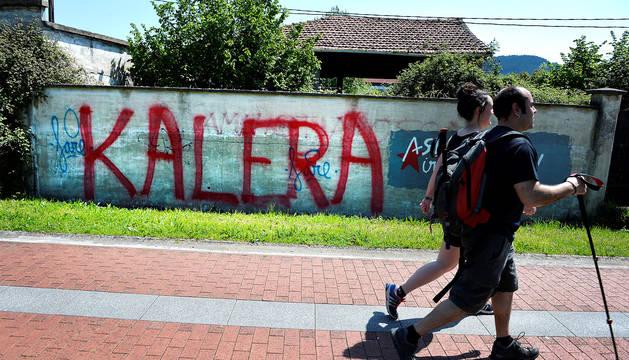 Una pintada en favor de ETA en Guernica.