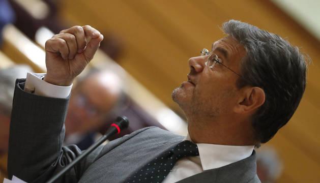 foto de El ministro de Justicia, Rafael Catalá, durante su intervención en la sesión de control al Gobierno en el Senado.