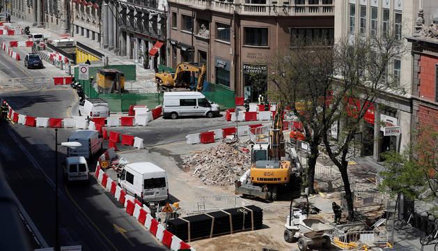 La calle Alcalá de Madrid está cortada y ha sido desalojada debido a un escape de gas.