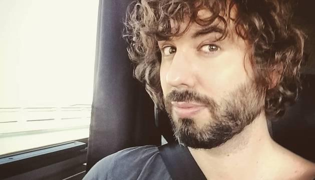 Acusan a Mikel Izal de acoso a mujeres en redes sociales y el músico lo niega