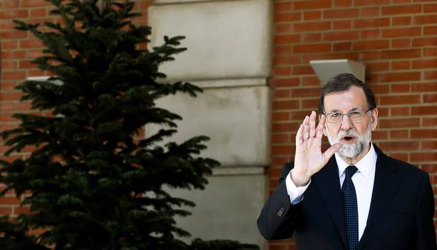 Rajoy llama al sosiego a un Rivera en pie de guerra por Cataluña