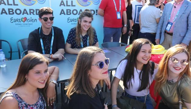 Encuentro de Amaia y Alfred con los fans.