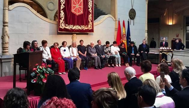 Barkos destaca los valores que encarnan los premiados con la Cruz de Carlos III el Noble