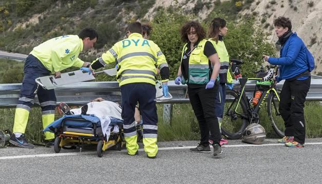 Tres ciclistas heridos, dos de ellos graves, en la Half Triatlon de Pamplona