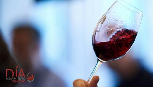 foto de una copa de vino