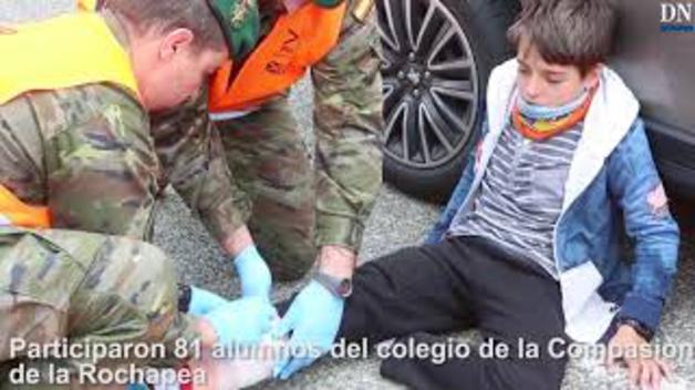 Simulacro de cómo evacuar un autobús escolar en Pamplona