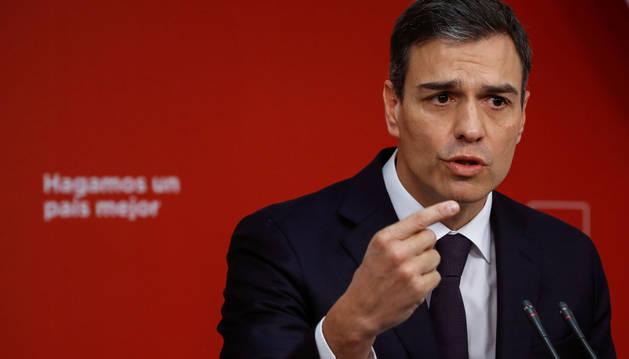 El líder del PSOE, Pedro Sánchez, en rueda de prensa ofrecida en la sede del partido
