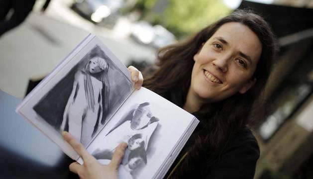 'Guisantes crudos', el último libro ilustrado de la artista pamplonesa Aizpea Lasa