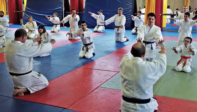 Esta jornada estaba dirigida a los judokas con discapacidad intelectual, pero también a árbitros y profesores interesados en aprender la dinámica de trabajo con estos chavales, así como para aprender nuevas estrategias metodológicas.