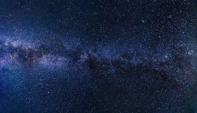Imagen recurso de un cielo estrellado