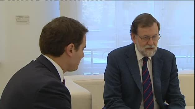Rajoy y Rivera analizan en Moncloa el futuro del 155