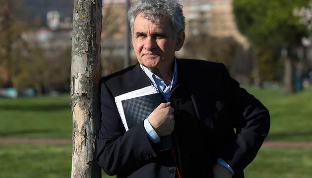 El novelista Bernardo Atxaga.
