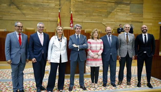 Ángel Garrido, elegido presidente de la Comunidad de Madrid con reticencias