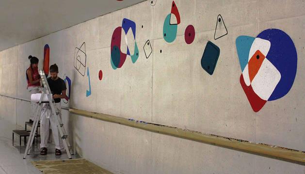 Elaboración de un mural del certamen del año pasado.