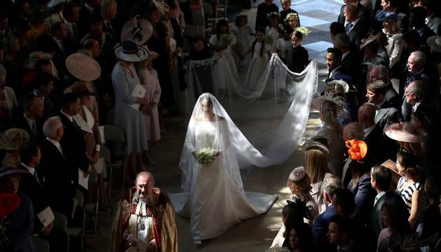 Meghan Markle, entrando a la capilla de San Jorge del castillo de Windsor.