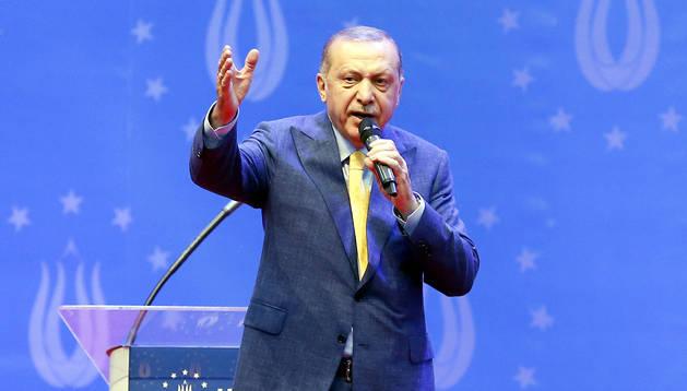 Cadena perpetua para 104 militares golpistas turcos