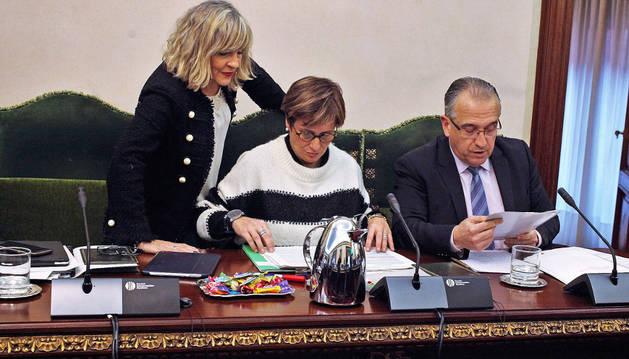 Los regionalistas María Caballero, Ana Elizalde y Enrique Maya.