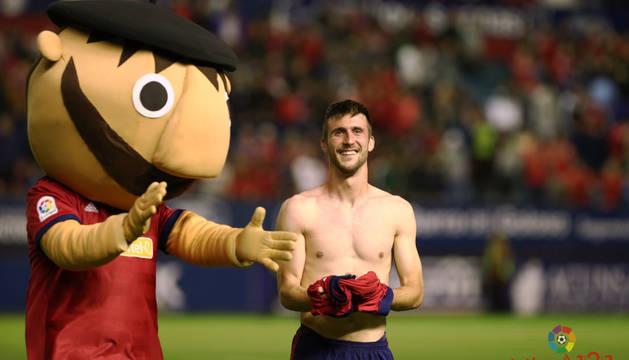 Gesto de alegría de Oier tras el final del partido.