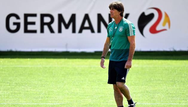 El seleccionador alemán, Joachim Löw, en una sesión de entrenamiento