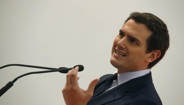 Rivera ofrece a Rajoy elecciones en otoño o apoyará una moción con un candidato independiente