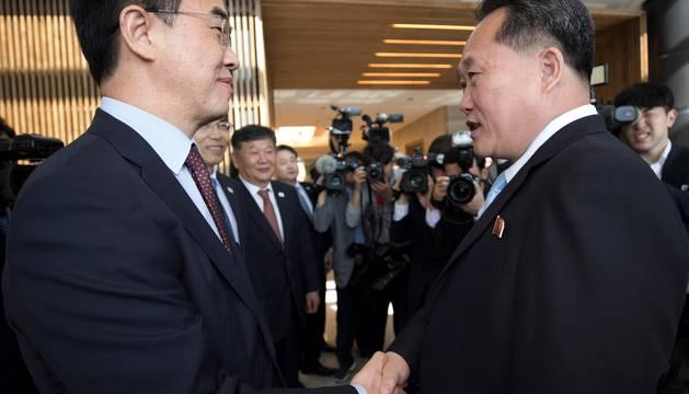 Las dos Coreas acuerdan celebrar conversaciones militares el 14 de junio
