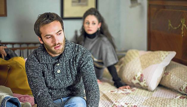 Ricardo Gómez comparte escena con Elena Rivero