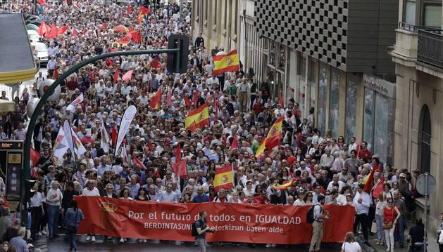 La manifestación contra la política lingüística, en imágenes