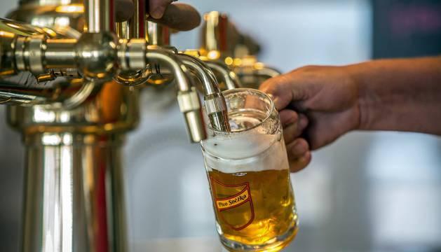 Miles de turistas se ven atraídos por la apuesta por el senderismo y la cerveza tradicional en la Ruta de la Cerveza de la Bohemia checa.