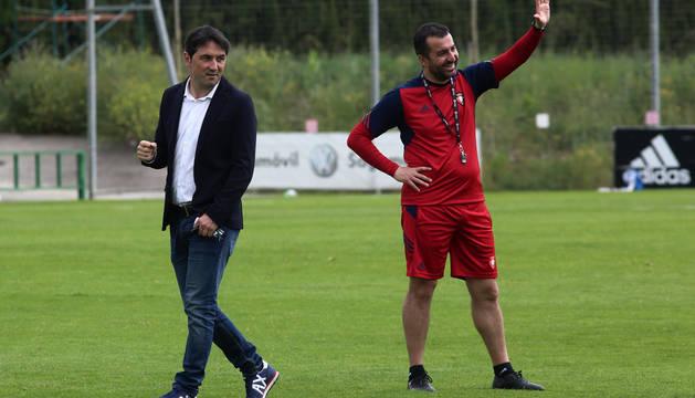 El director deportivo y el entrenador, Braulio Vázquez y Diego Martínez, en una imagen reciente en Tajonar.