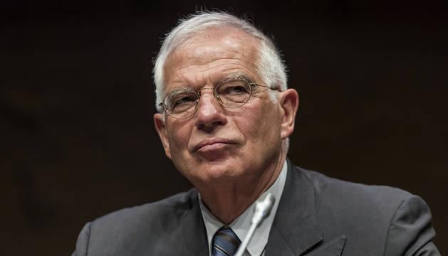 El expresidente del Parlamento Europeo, Josep Borrell, ha aceptado la proposición de Pedro Sánchez de convertirse en el ministro de Exteriores de su Gobierno.