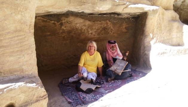 Blanca Díaz García de Amézaga, en una foto tomada durante el viaje a Jordania, antes de caerse del camello.