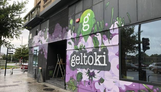 La antigua estación de autobuses acoge desde este sábadi el espacio Geltoki, dedicado a la economía social y las actividades culturales
