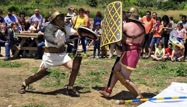 Gladiadores, soldados romanos y diversión en el Día de Cara