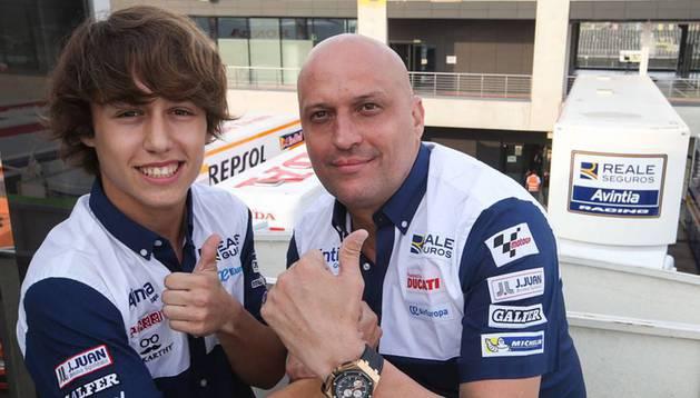 Andreas Pérez junto a Raúl Romero, director del equipo Reale Avintia, en una foto de su cuenta de Instagram.