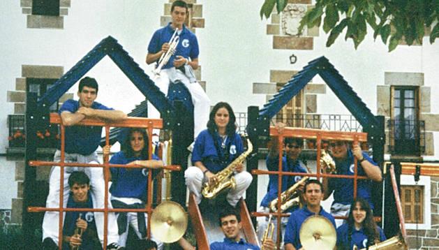 1998: La Txaranga Igandea saca su primer CD
