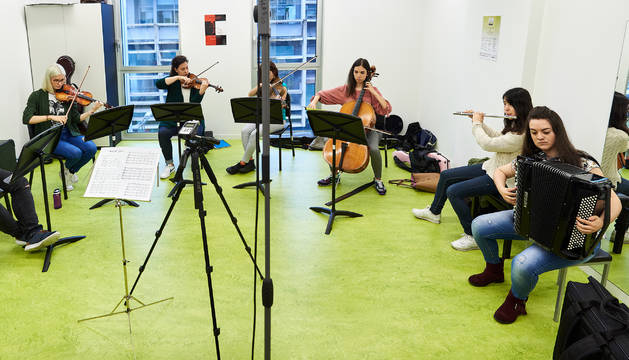 Cuatro alumnos de CTL y 8 del Conservatorio Superior pondrán banda sonora a El fantasma de la Ópera dentro de NAK Festival de Música Contemporánea de Navarra.