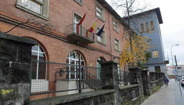 Fachada del departamento de Derechos Sociales en Pamplona.