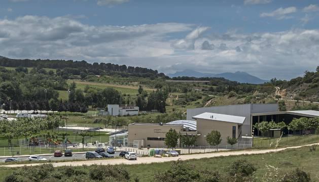 Instalaciones municipales de Ardantze, un complejo con circuito termal, piscinas y pistas de pádel, entre otras dotaciones.