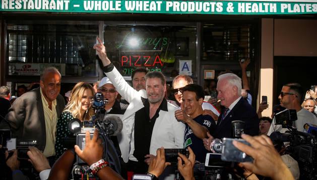 Homenaje en Brooklyn a John Travolta