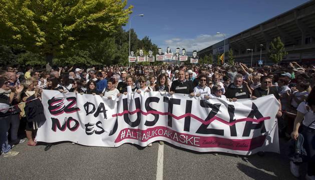 Miles de personas en la manifestación contra la sentencia del 'caso Alsasua'
