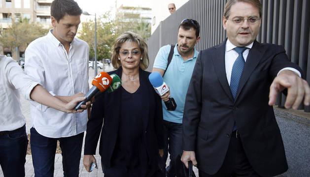 María José Alcón, en 2016 a su llegada a la Ciudad de la Justicia para declarar en calidad de investigada como supuesta responsable del cobro de comisiones ilegales.