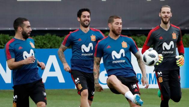 Carvajal, Isco, Ramos y de Gea en un entrenamiento