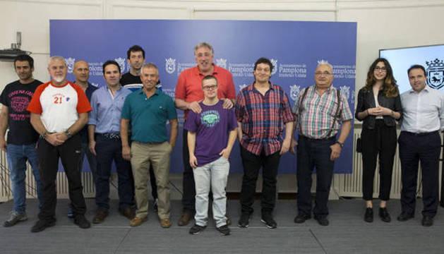 Todos los candidatos a lanzar el Chupinazo, con Asiron, antes de conocerse la decisión final