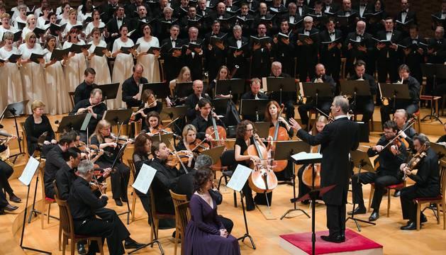 El Orfeón Pamplonés cerraba este sábado con una lluvia de aplausos su participación en las Noches Blancas de San Petersburgo tras dos conciertos que pusieron en pie al público del Mariinsky Concert Hall.